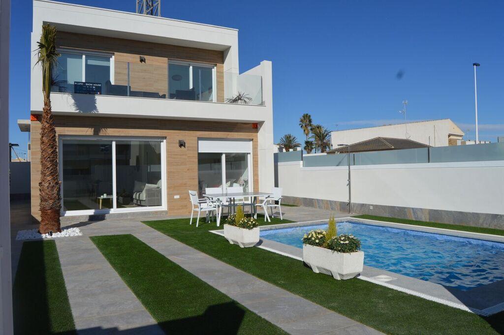 Ref:kf941238 Villa For Sale in Pilar de la Horadada