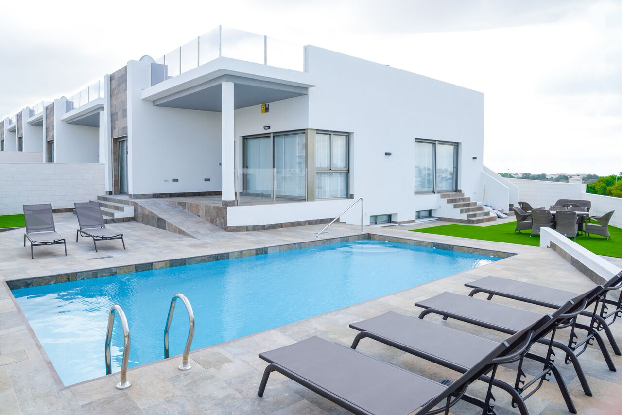Ref:kf942395 Villa For Sale in Villamartin