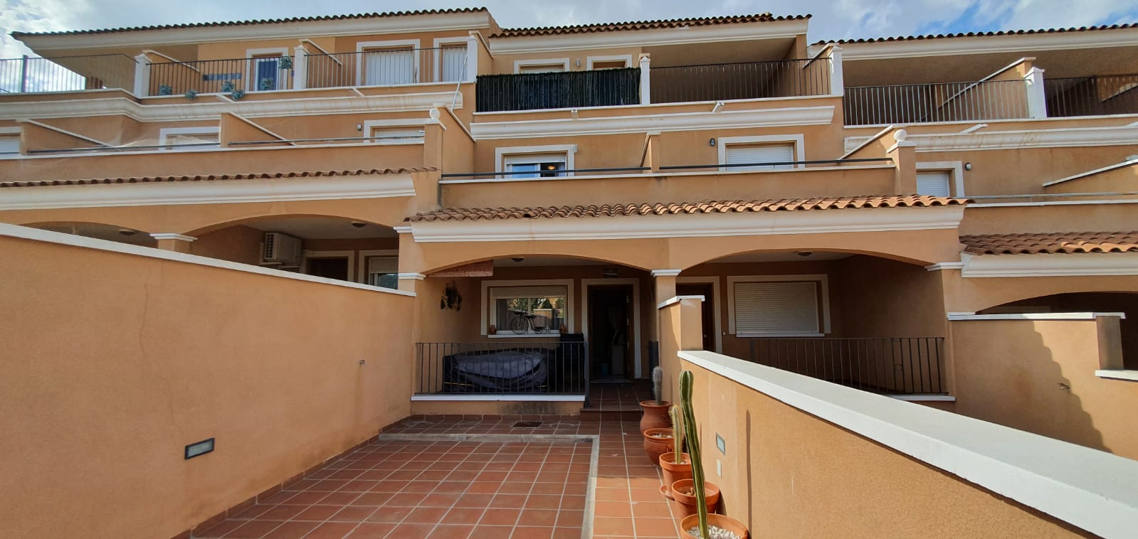 Ref:kf943683 Townhouse For Sale in Torre Guil